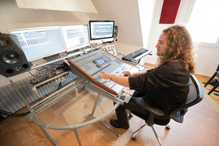 Joe beim Abmischen im Studio 1