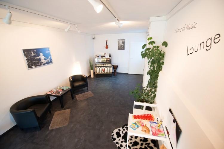 Eingangsbereich mit Lounge für Gross und Klein